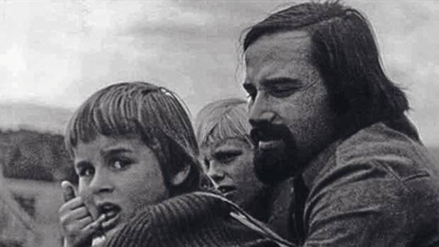 Gysi mit seinen Söhnen George (l.) und Daniel. Anfang der Siebziger trennte sich der Rechtsanwalt von seiner ersten Frau.