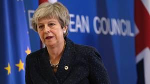 Erleichtert wirkt Theresa May nach einer Pressekonferenz in Brüssel. Die EU hat Großbritannien einen Brexit-Aufschub gewährt.