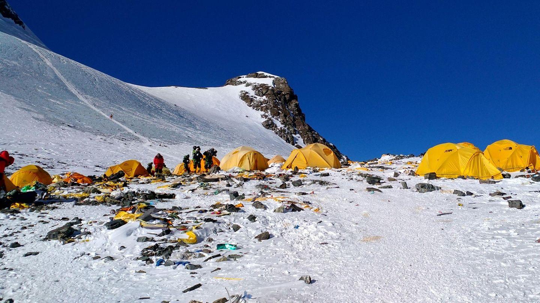 Auf dem Weg zum Gipfel des Mount Everest: Zelte und Müll am Camp 4
