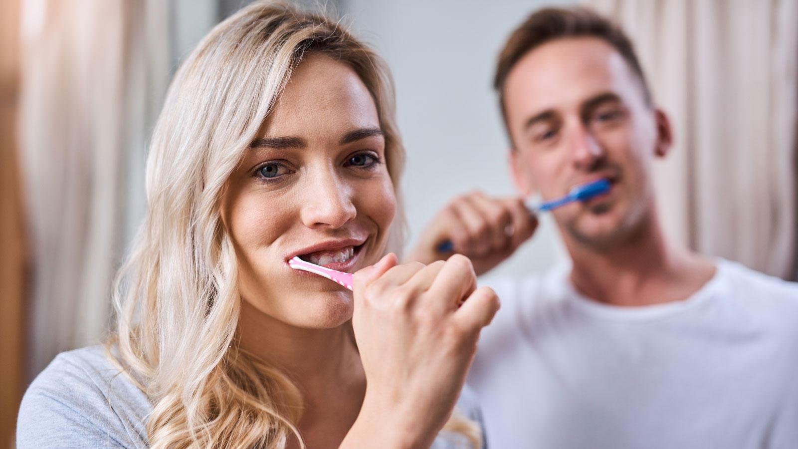 """Verheerendes Ergebnis: """"Ökotest"""" prüft Zahnpasta – und 200 Produkte fallen durch"""