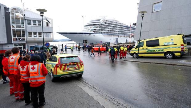 Die Viking Sky läuft in den Hafen von Molde ein
