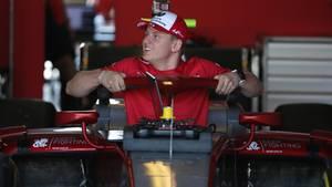 Mick Schumacher testet für das Team Alfa Romeo erstmals einen Formel-1-Auto