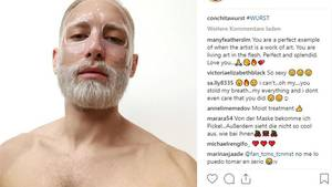Vip News: Conchita Wurst mit Gesichtsmaske und platinblondem Bart