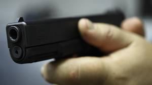 Nachrichten aus Deutschland: Unbekannter bedroht Zehnjährige mit Waffe