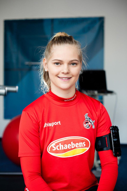 Saskia Frensch, 21, studiert Sportmanagement und ist Fußballerin beim 1. FC Köln