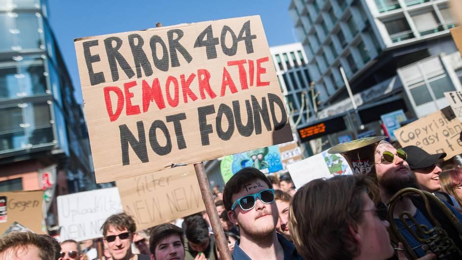 Demo vor der Abstimmung über die Reform des Urheberrechts im EU-Parlament