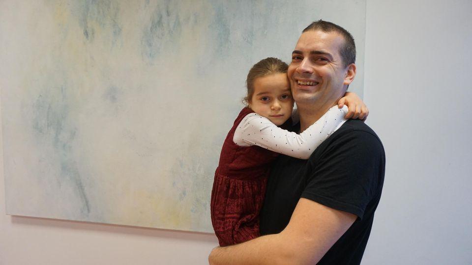 """Denis Novak mit Tochter Lilien: """"Mir ist einfach wichtig, dass mein Kind gutes Deutsch spricht"""""""