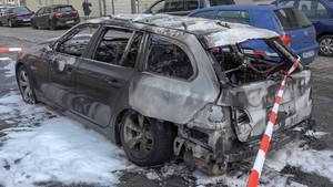 nachrichten aus deutschland neunjähriger rettet kleine schwester aus auto
