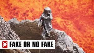 Forscher im Vulkankrater