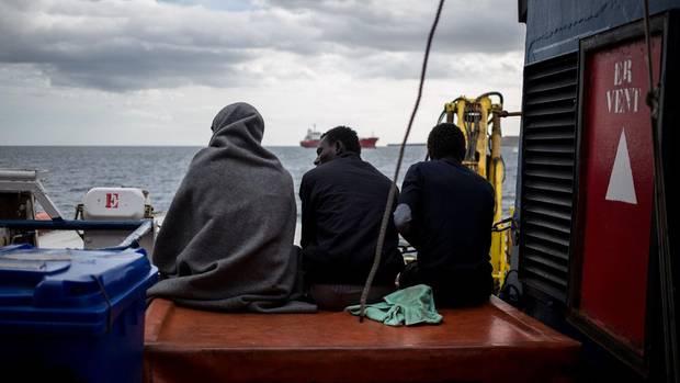 Flüchtlinge auf einem Schiff