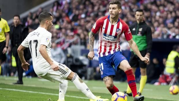 Lucas Hernandez (r.) soll zu einer prägenden Figur der Bayern--Defensive in den nächsten Jahren werden