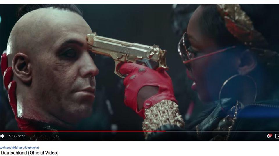 """Musikvideo """"Deutschland"""": Rammstein-Kontroverse: Die Provokation war billig – aber das Video ist eine Sensation"""