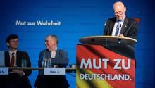 Der AfD-Abgeordnete Rudolf Müller wollte die Vornamen der polizeilich erfassten Täter von Messer-Delikten wissen