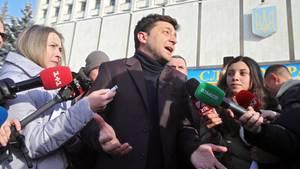 Ukraine, Kiew: Wladimir Selenski vor der Zentralen Wahlkommission