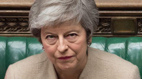 Dritte Abstimmungsniederlage für ihren EU-Deal: Die Mine von Premierministerin Theresa May sagt alles über das Brexit-Chaos in London.