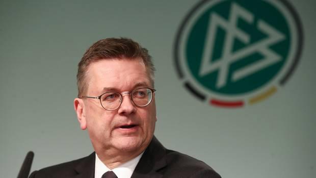 """Reinhard Grindel - DFB-Chef hat laut """"Spiegel"""" Einkünfte verschwiegen"""