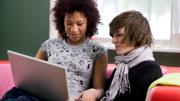 Peinliche Statusnachrichten und Gruppen bei ICQ, MSN und SchülerVZ