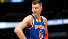 KristapsPorzingis ist ein Teamkollege des deutschen Basketball-Stars Dirk Nowitzkibei den Dallas Mavericks