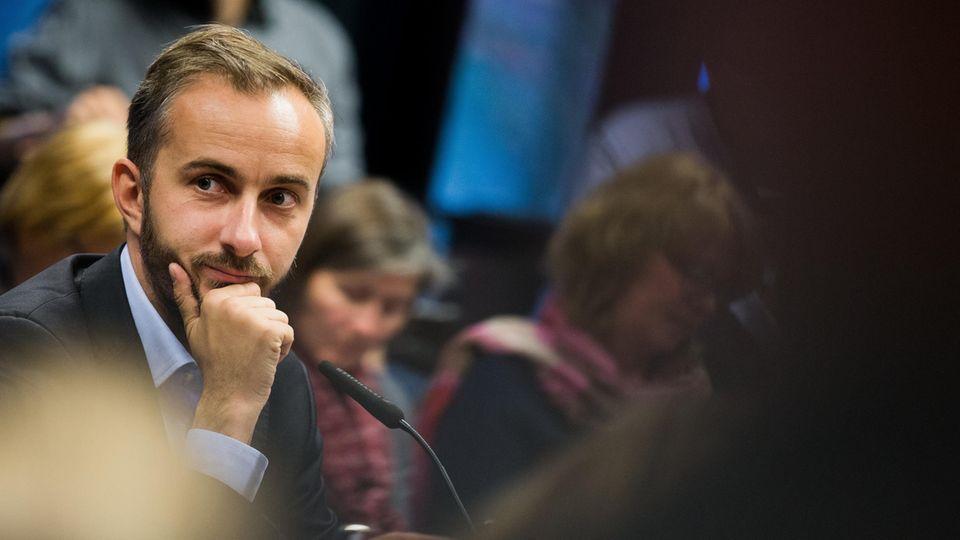 Medienbericht: TV-Satiriker Jan Böhmermann zieht offenbar gegen Bundeskanzlerin Angela Merkel vor Gericht