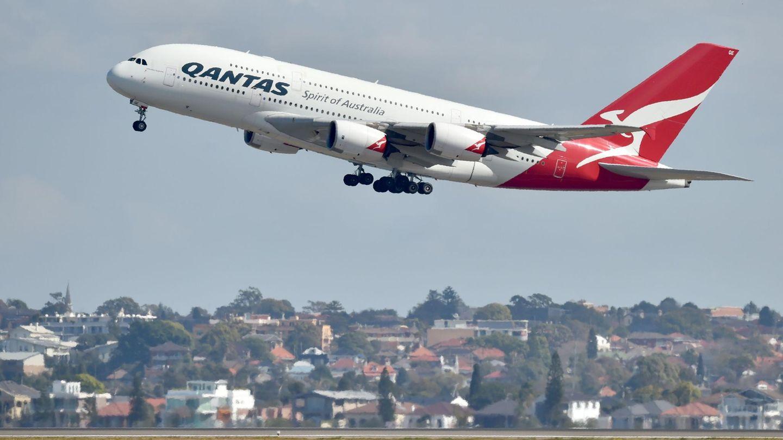 Ein Airbus A380 der Qantas beim Start