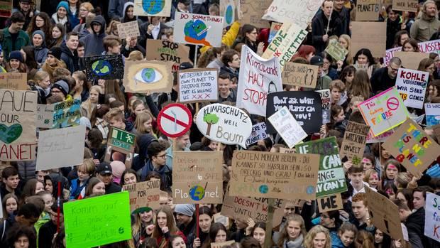 """""""Fridays for Future"""": Gymnasium droht demonstrierenden Schülern mit Bußgeld"""
