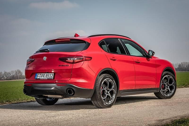 Alfa Romeo Stelvio 2.2 Diesel Q4 - 4,69 Meter lang