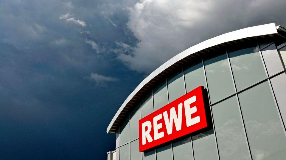 Rewe will Aldi, Lidl und Co. attackieren