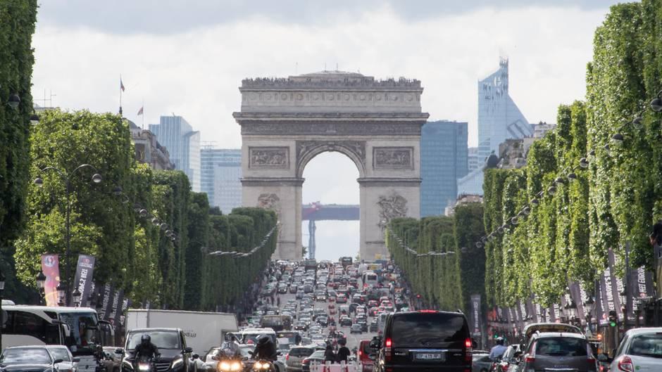 Der Triumphbogen in Paris wird Teil einer Aktion des Künstlers Christoim Frühjahr 2020.