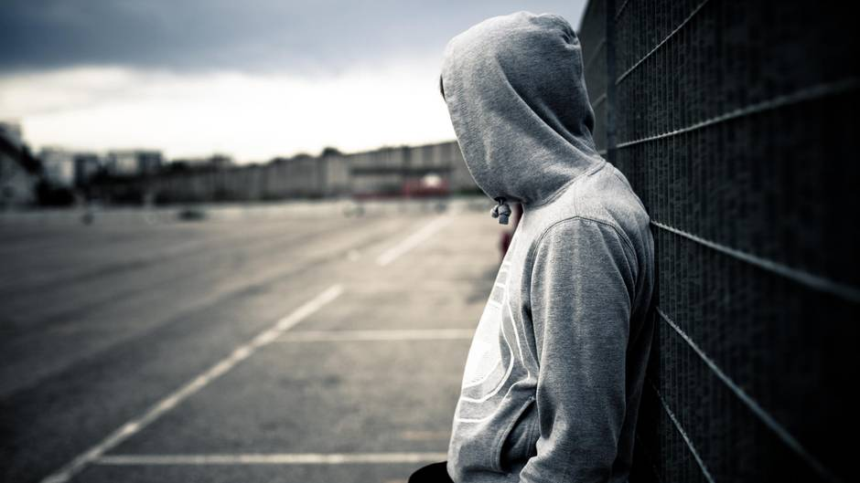 Frauen sind ebenso suizidgefährdet wie Männer, bei ihnen bleibt es allerdings häufig bei dem Versuch.(Symbolbild)