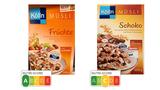 """Zwei Kölln-Müslis im direkten Vergleich: Die Schoko-Variante (rechts) konnte zwar bei """"Ökotest"""" überzeugen, wie das Label verrät. In puncto Gesundheit hat aber das Früchte-Müsli (links) die Nase vorn."""