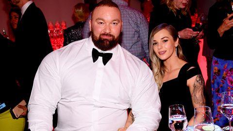 Hafþór Júlíus Björnsson und seine Frau Kelsey Henson