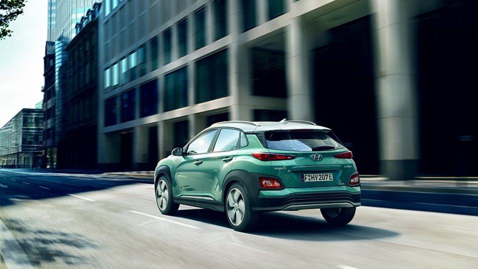 Hyundai Kona Electric - von hinten kaum vom Verbrenner zu unterscheiden
