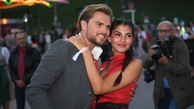 """Ex-""""Bachelor in Paradise""""-Paar Yeliz Koc und Johannes Haller beim Oktoberfest 2018"""