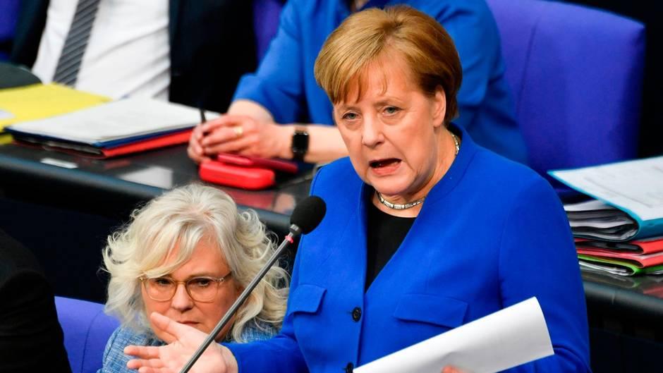 Liveblog zur Befragung der Bundesregierung: Bundeskanzlerin Kanzlerin Angela Merkel im Kreuzverhör