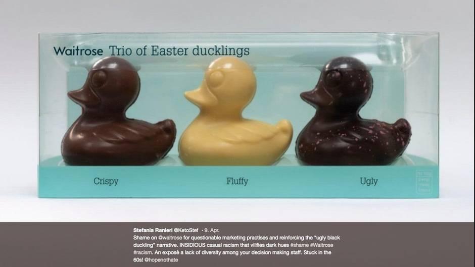 Drei Osterküken aus Schokolade, das aus dunkler Schokolade wir hässlich genannt