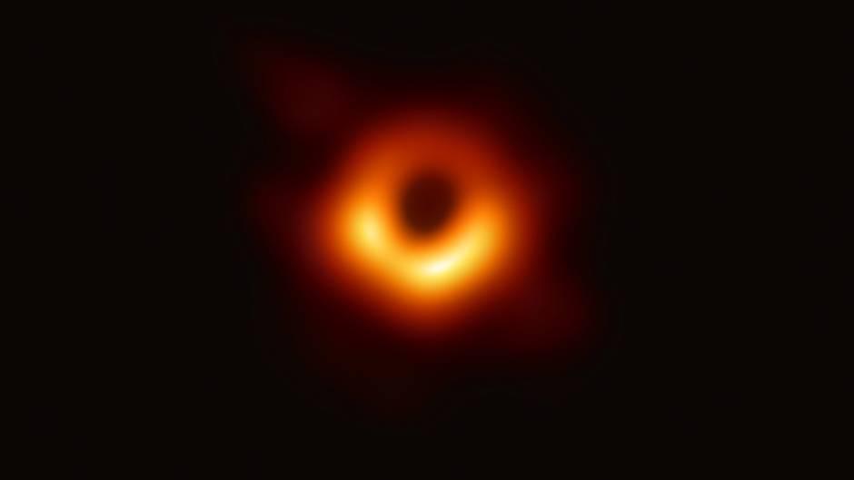 Sieht unspektakulär aus, ist aber eine Sensation: die erste Aufnahme eines Schwarzen Loches