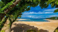 Kroatien:Omisalj Camping  Der neu angelegte Campingplatz auf der Insel Krk ist in einer kleinen Bucht gelegen. Der Strand aus feinen Kieseln, der flach ins Wasser übergeht, eignet sich auch gut für kleine Kinder. Die Ökoprogramme, die in Omisalj umgesetzt sind, haben dem Strand eineblaueFlagge für sauberes Wasser eingebracht und machen den Platz besonders für umweltbewusste Camper attraktiv.  Infos:www.campingomisalj.com