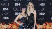 "Ihren ""Game of Thrones""-Look legten Maisie Williams (links) und Sophie Turner schnell ab."