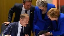 Donald Tusk, British, Theresa May und Angela Merkel beim Brexit-Gipfel