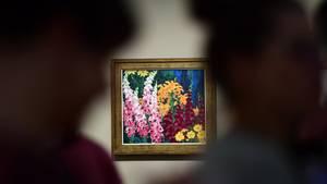 """Das Kunstwerk """"Blumengarten"""" von Emil Nolde auf einer Ausstellung in Halle"""