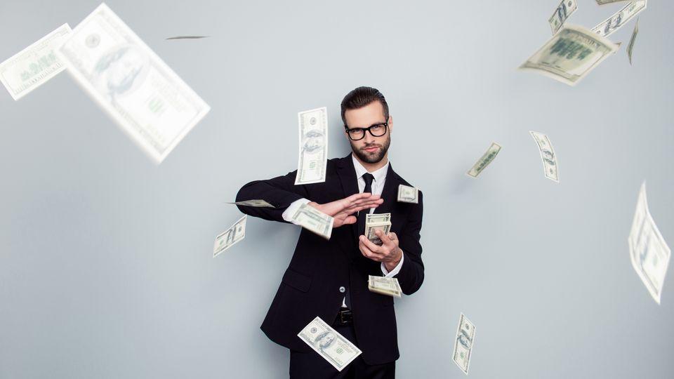 Einstiegsgehälter: Was verdient man mit Bachelor und Master? Die Top- und Flop-Berufe