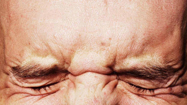 Schmerzverzerrtes Gesicht: Fluchen hilft bei Schmerzen
