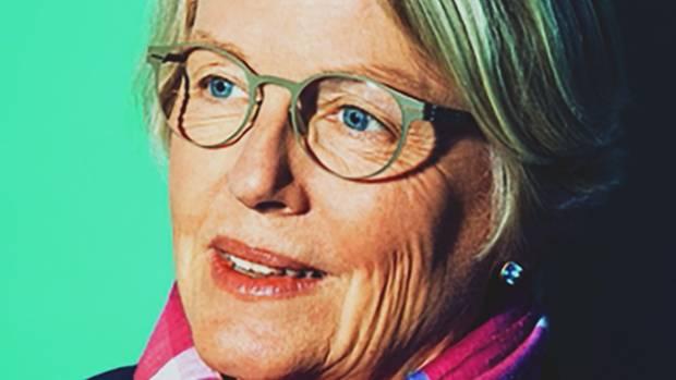 Claudia Wiesemann, 60, ist stellvertretende Vorsitzende des Deutschen Ethikrates. Der Rat ist ein unabhängiges Gremium, das aktuelle ethische Streitpunkte in der Gesellschaft diskutiert. Wiesemann ist auch Direktorin des Instituts für Ethik und Geschichte der Medizin an der Universität Göttingen.