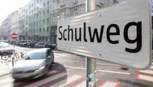 Die 13-jährige in Sachsen wurde auf dem Weg zur Schule gepackt (Symbolbild)