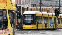 Im Nahverkehr soll künftig deutschlandweit eine App zum Fahrscheinkauf reichen