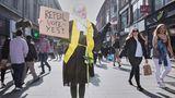 Gewinner in der Kategorie Allttagsfotografie Stories:Am 25. Mai 2018 stimmt eine Mehrzahl der Iren dafür, die strikten Abtreibungsgesetze des Landes abzuschaffen. Hier ist die Aktivistin Megan Scott bei einer Protestaktion auf der Haupteinkaufsstraße von Dublin zu sehen.