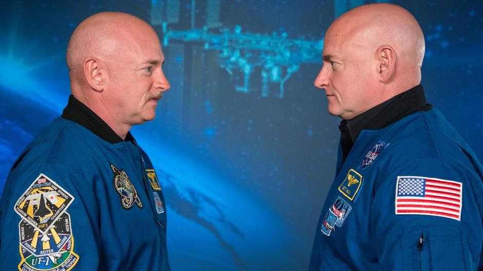 Die Teilnehmer der Studie der NASA: Mark (l.) und Scott Kelly