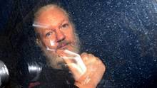 Julian Assange, Mitbegründer der Enthüllungsplattform WikiLeaks, wird festgenommen