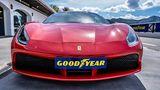 Mit dem Ferrari 488 und dem Goodyear Eagle F1 auf dem Ascari Race Track