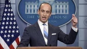 Stephen Miller im Briefing Room des Weißen Hauses